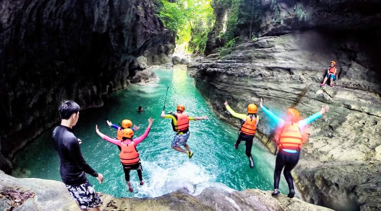 badian canyoneering/kawasan falls
