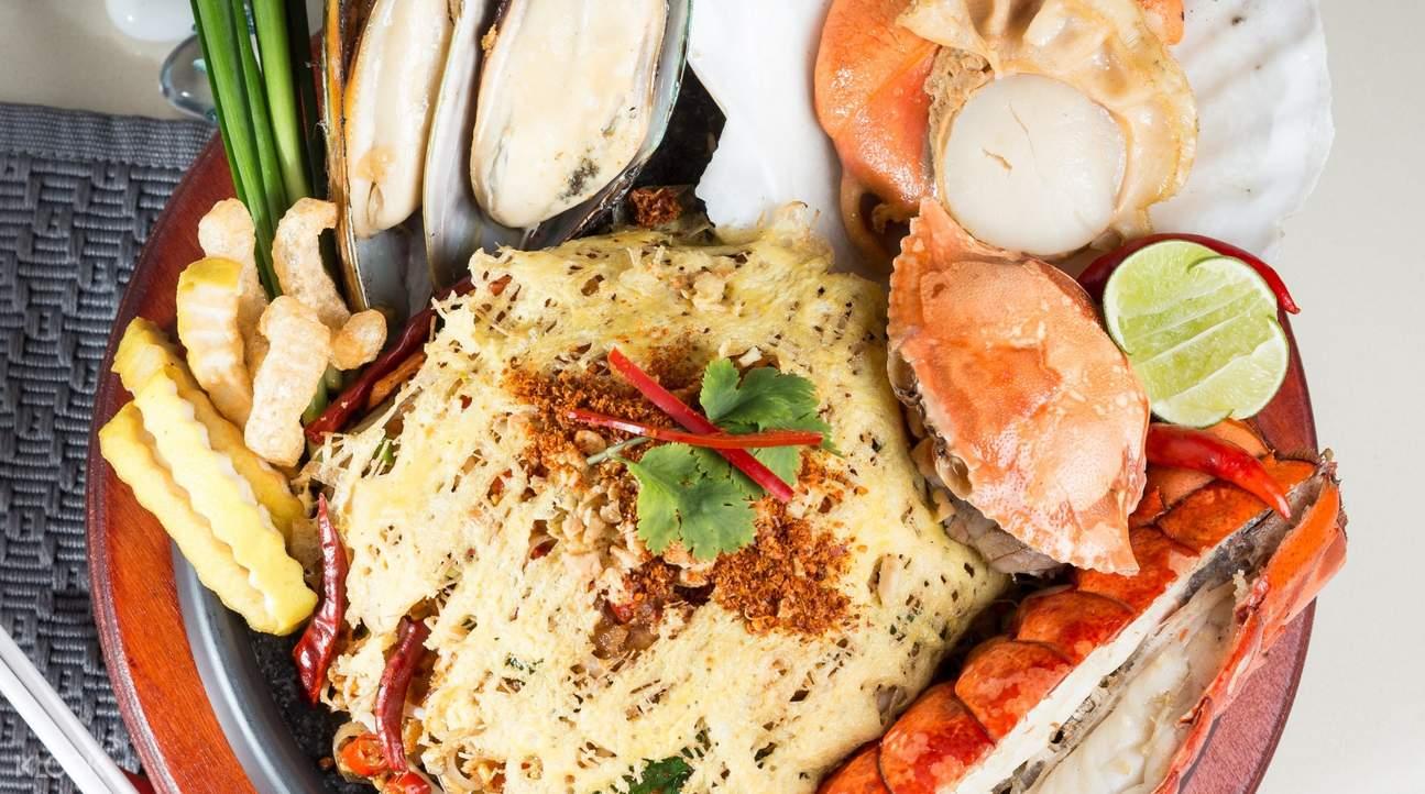 louis leeman seafood bangkok seafood pad thai