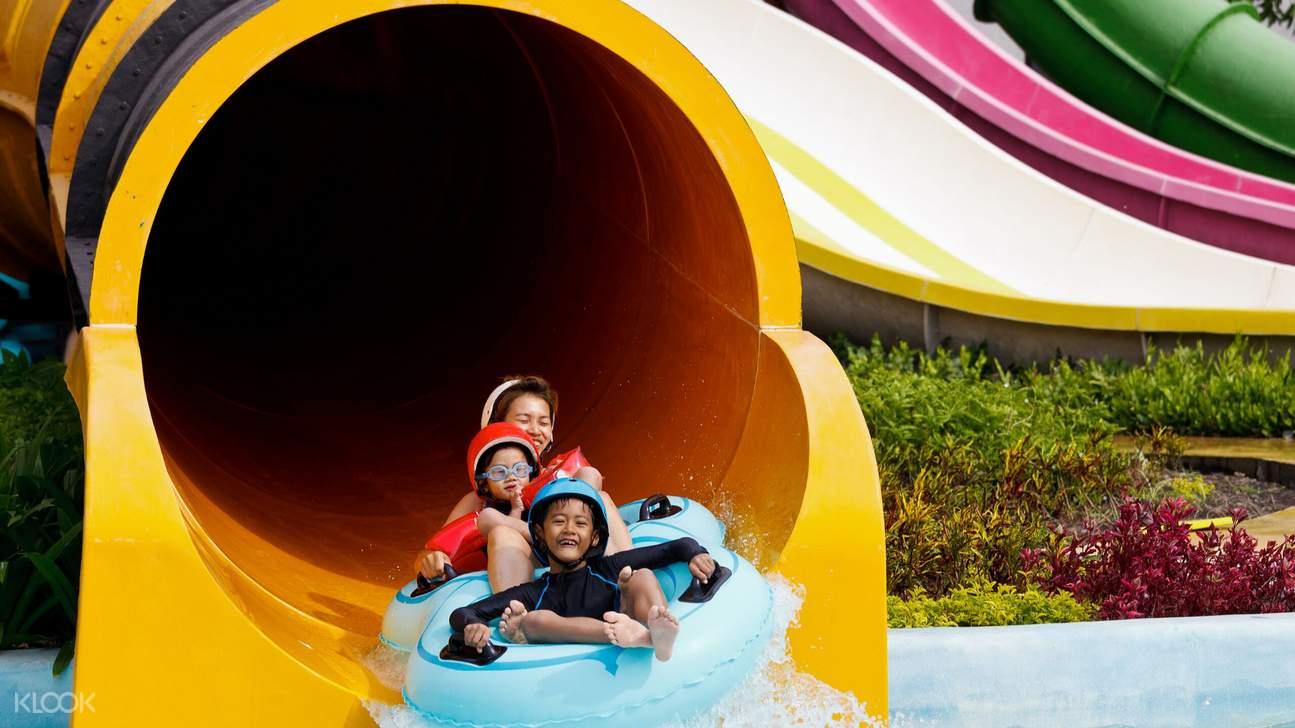 family on water slide in sunway lagoon