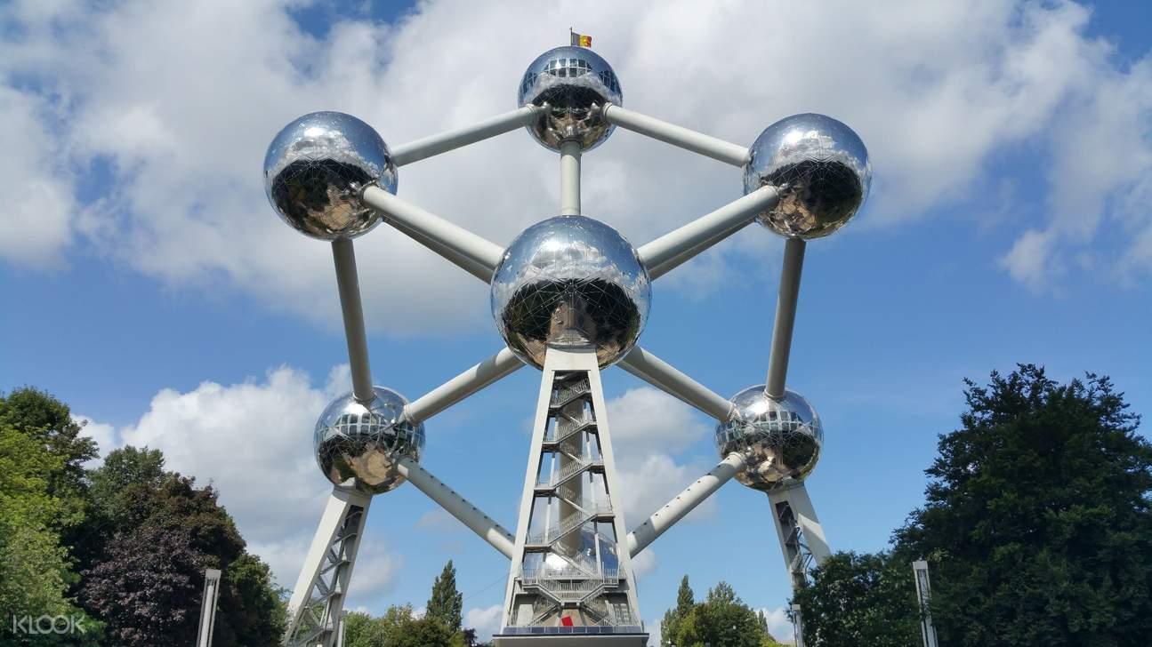 1958年布魯塞爾世界博覽會建的原子塔
