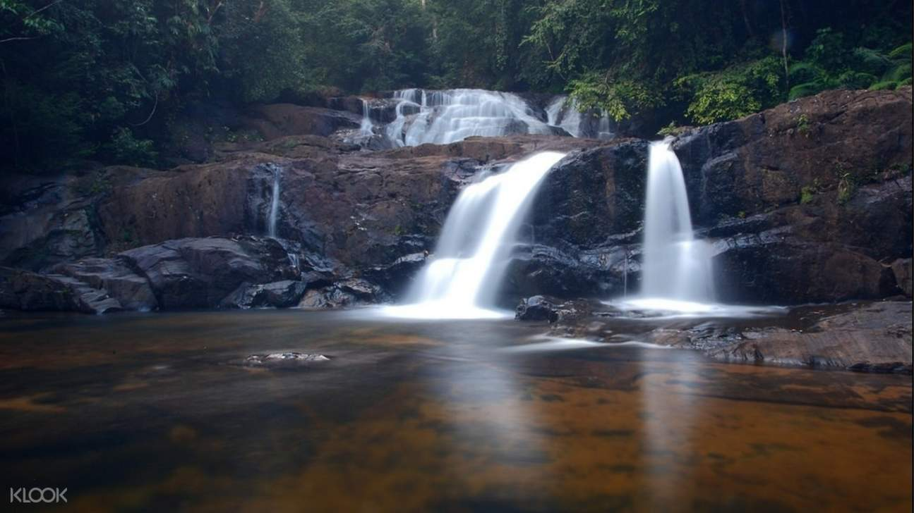 sinharaja forest reserve waterfall