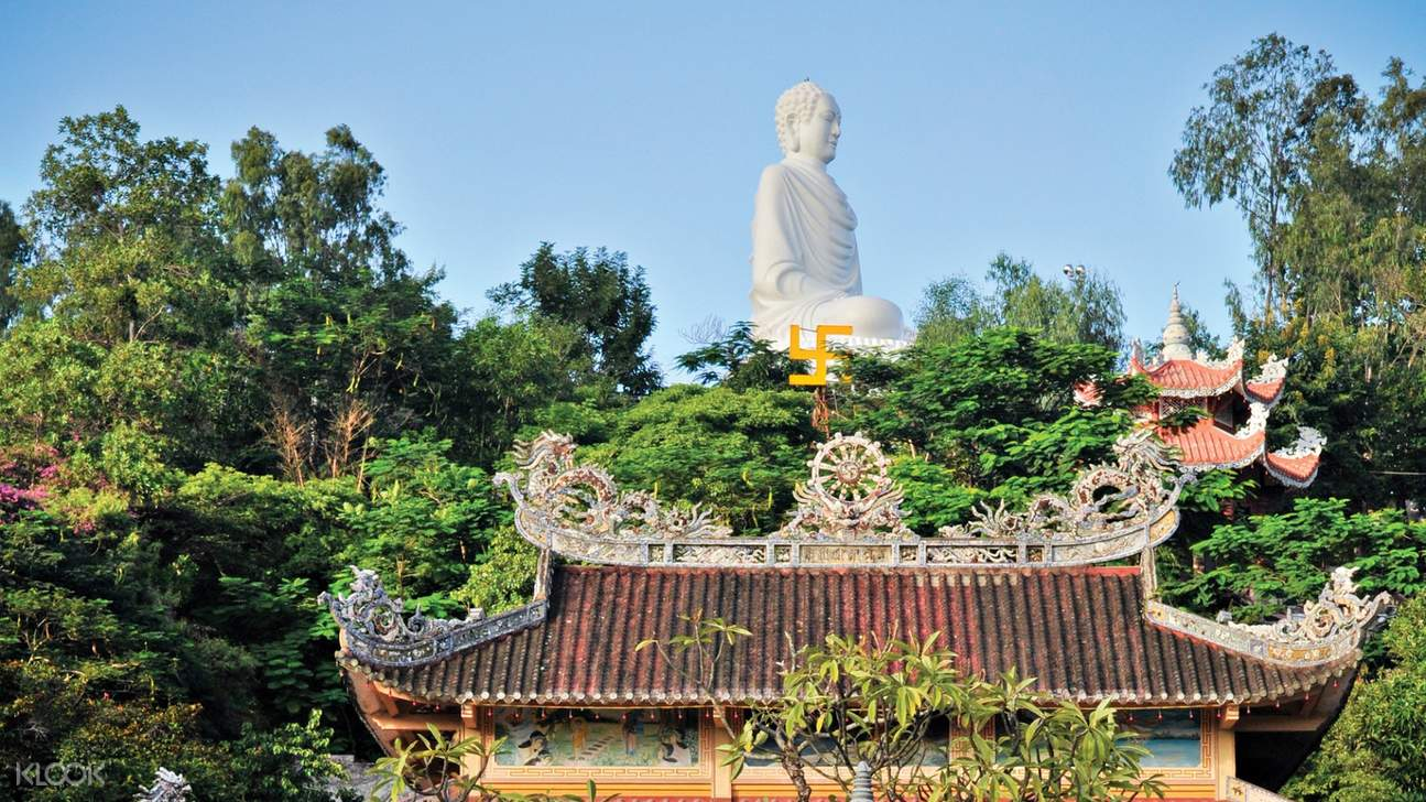 Buddha of Long Son at Long Son Pagoda