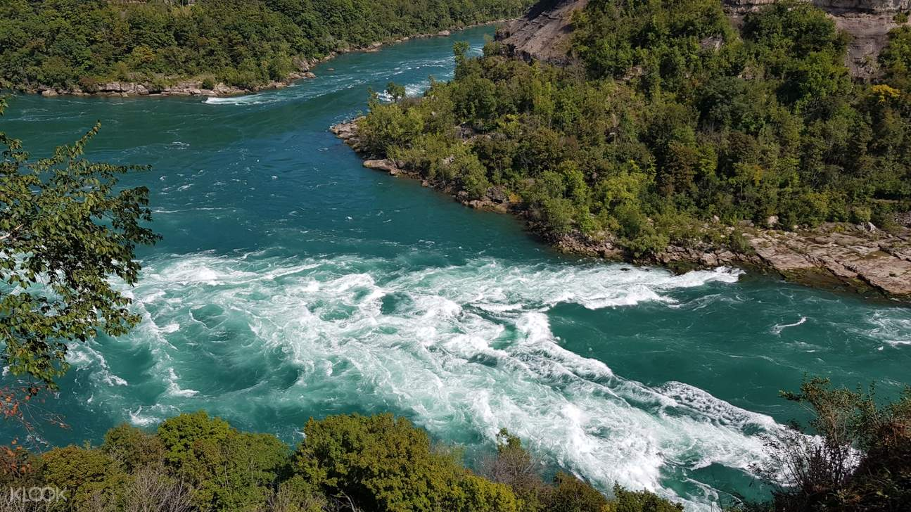 Travel with a licensed tour guide and admire the splendor of Niagara Falls Canada