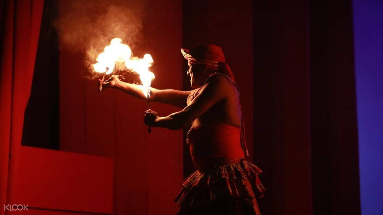 Fire dance act