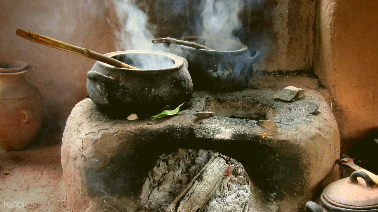 Learn how to cook Balinese dish using traditional equipment