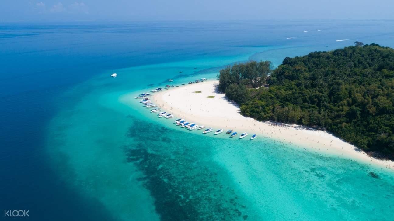 ภาพมุมสูงของหมู่เกาะพีพี