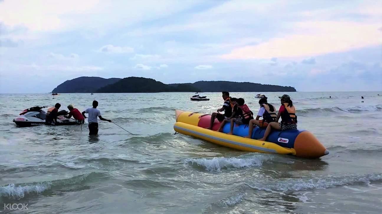 banana boat ride cenang beach