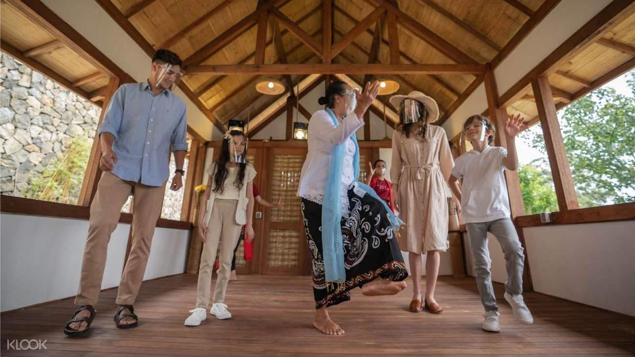 culturan dance in dusun bambu