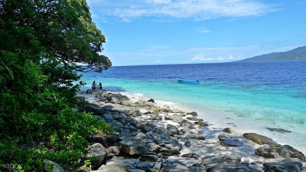 Survivor Island (Pulau Tiga)