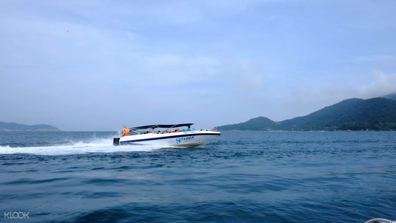 speedboat to charm island