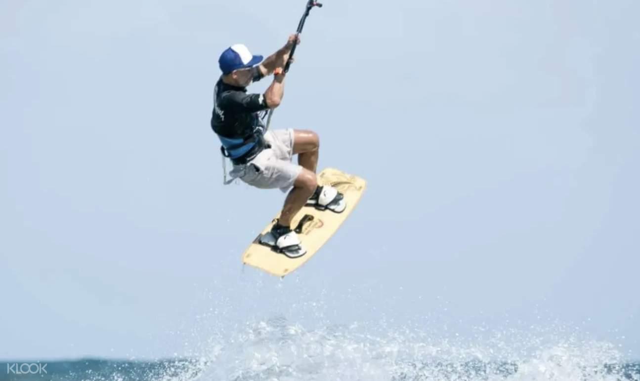 大嶼山風箏衝浪體驗