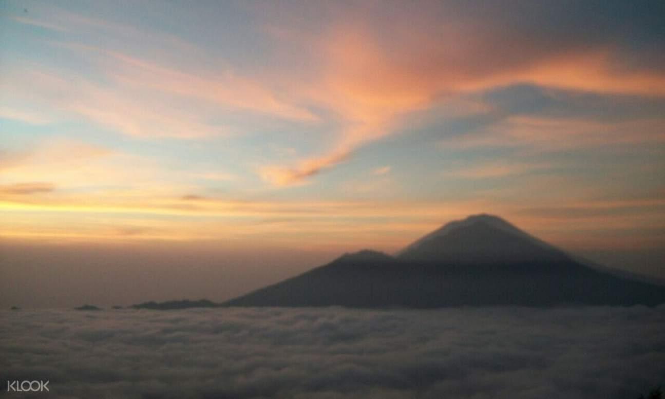 巴杜爾火山日出