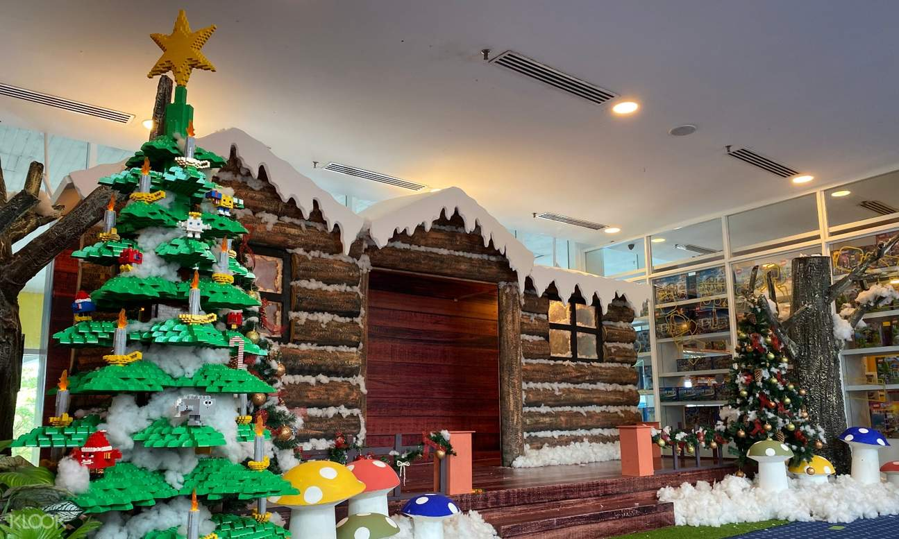 LEGOLAND gift shop with Christmas-themed LEGO structures