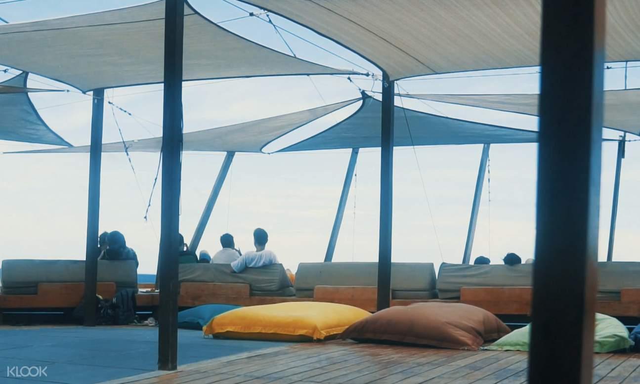 floating bar and restaurant