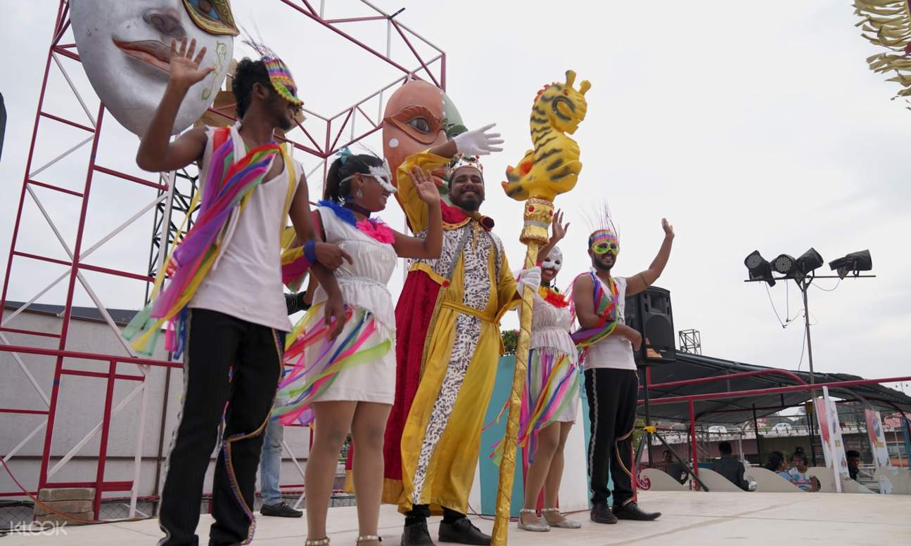 performance onboard the mandovi river cruise