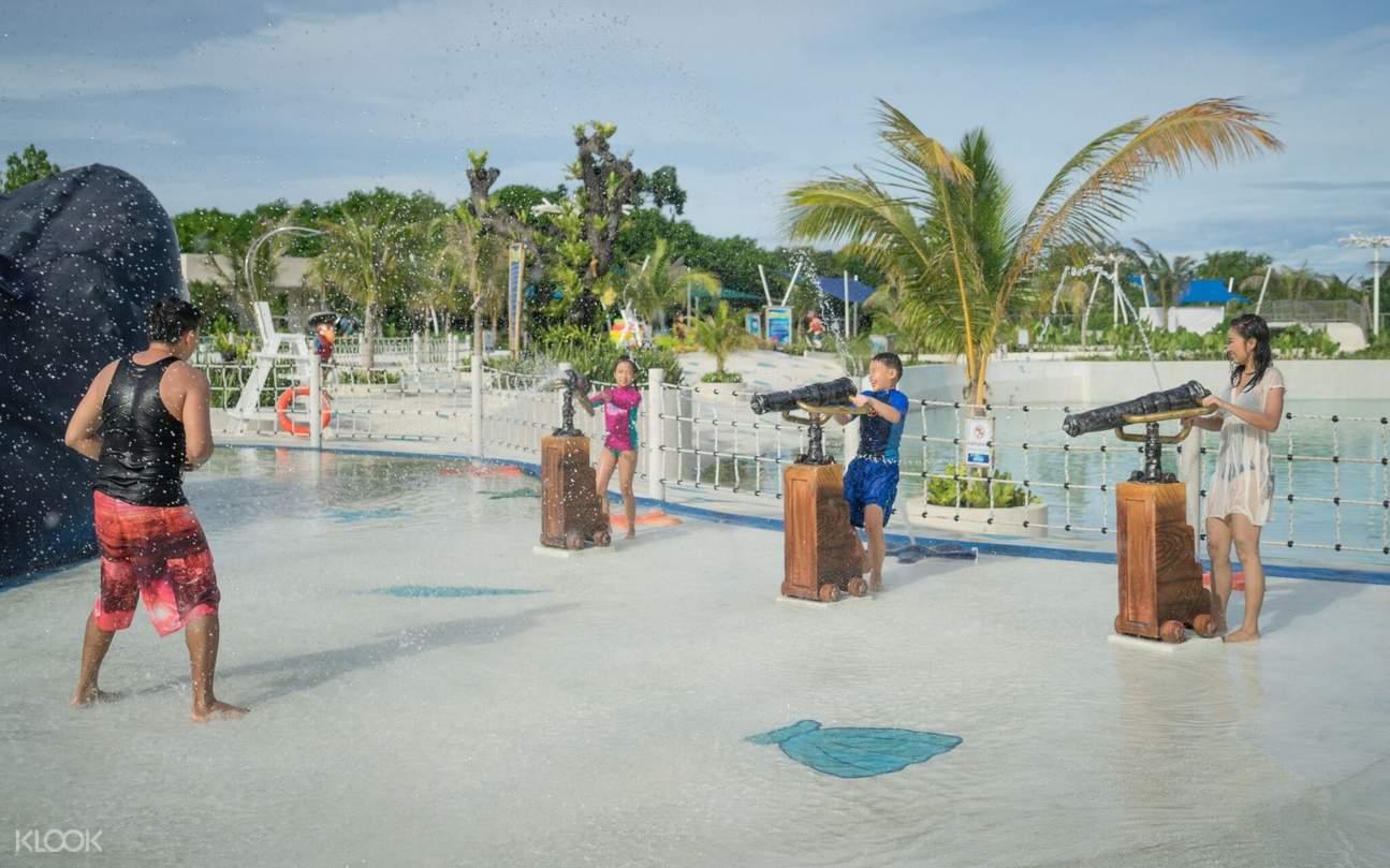 雅士巴拉望水上乐园