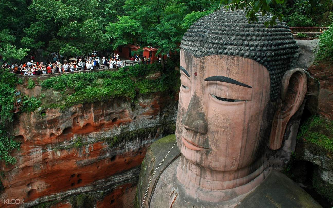 shared shuttle bus transfers chengdu leshan giant buddha