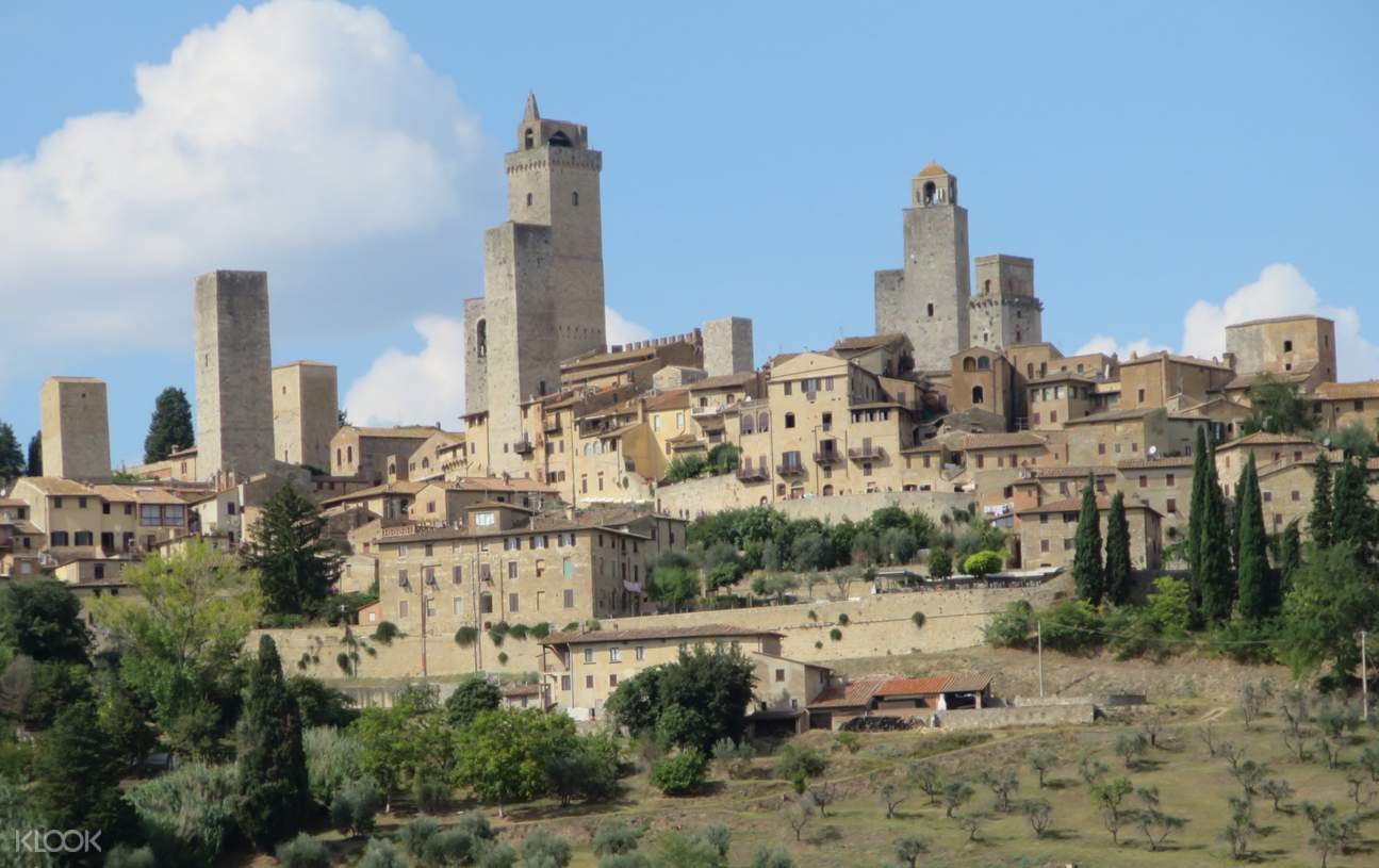 tuscany medieval town