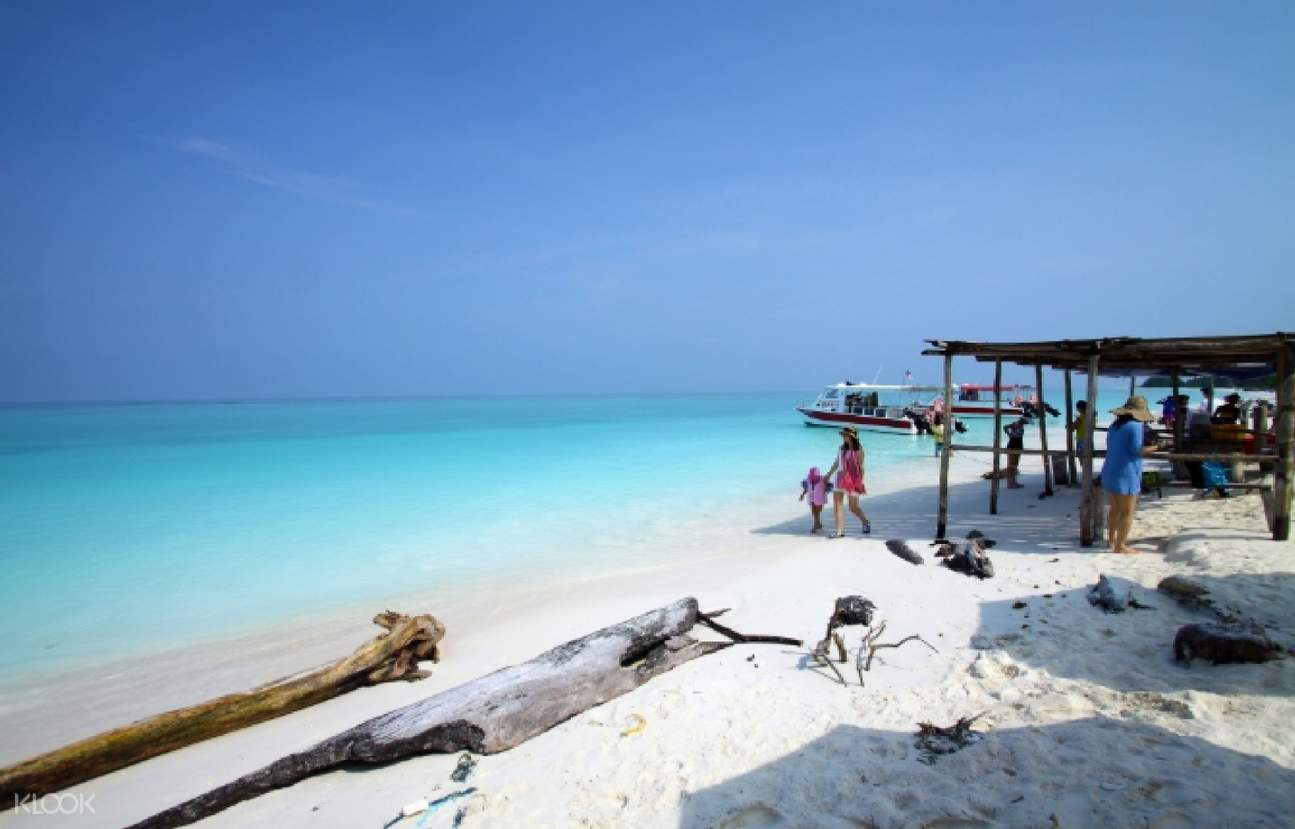 Mengalum Island and Snorkeling Day Tour