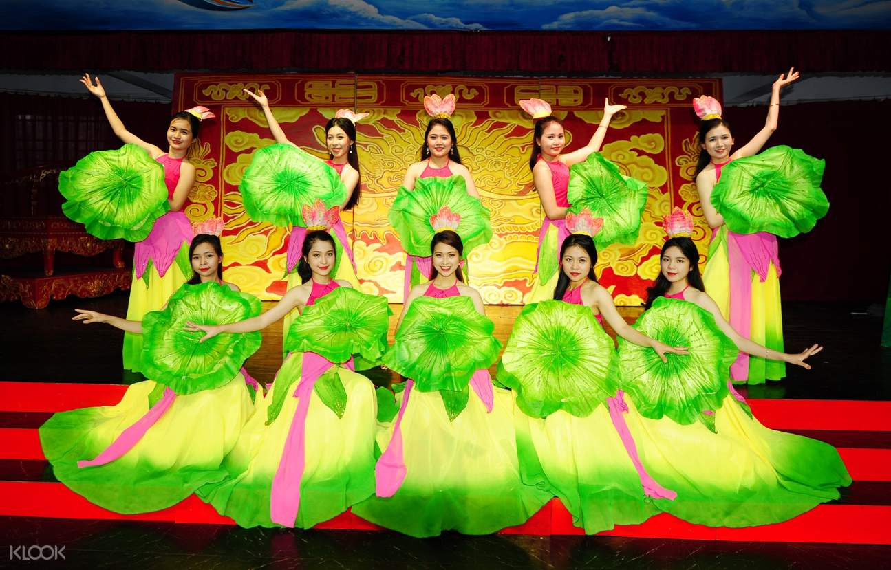 lotus dance Ao Dai Show in Hue