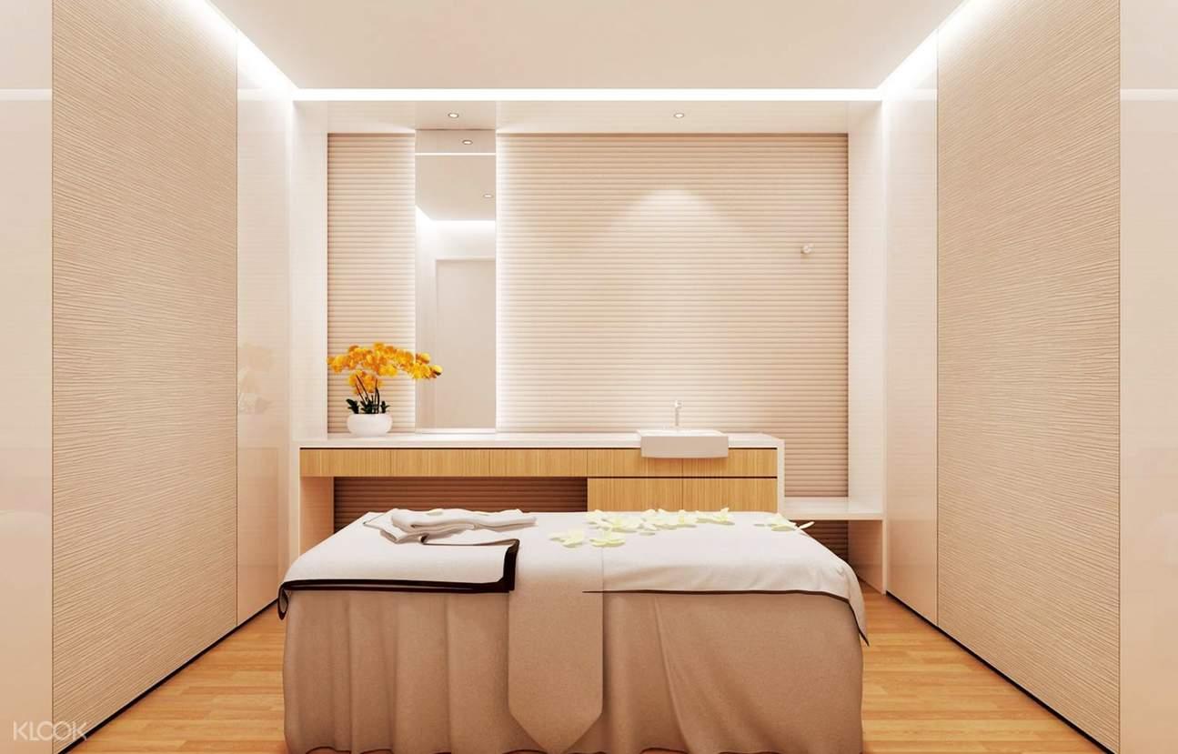 Spa Treatment at Glycel Skin Spa in Hong Kong