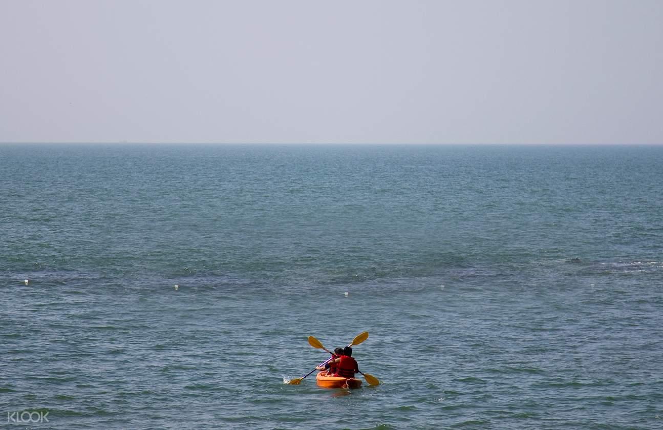 Mandrem Beach kayaking