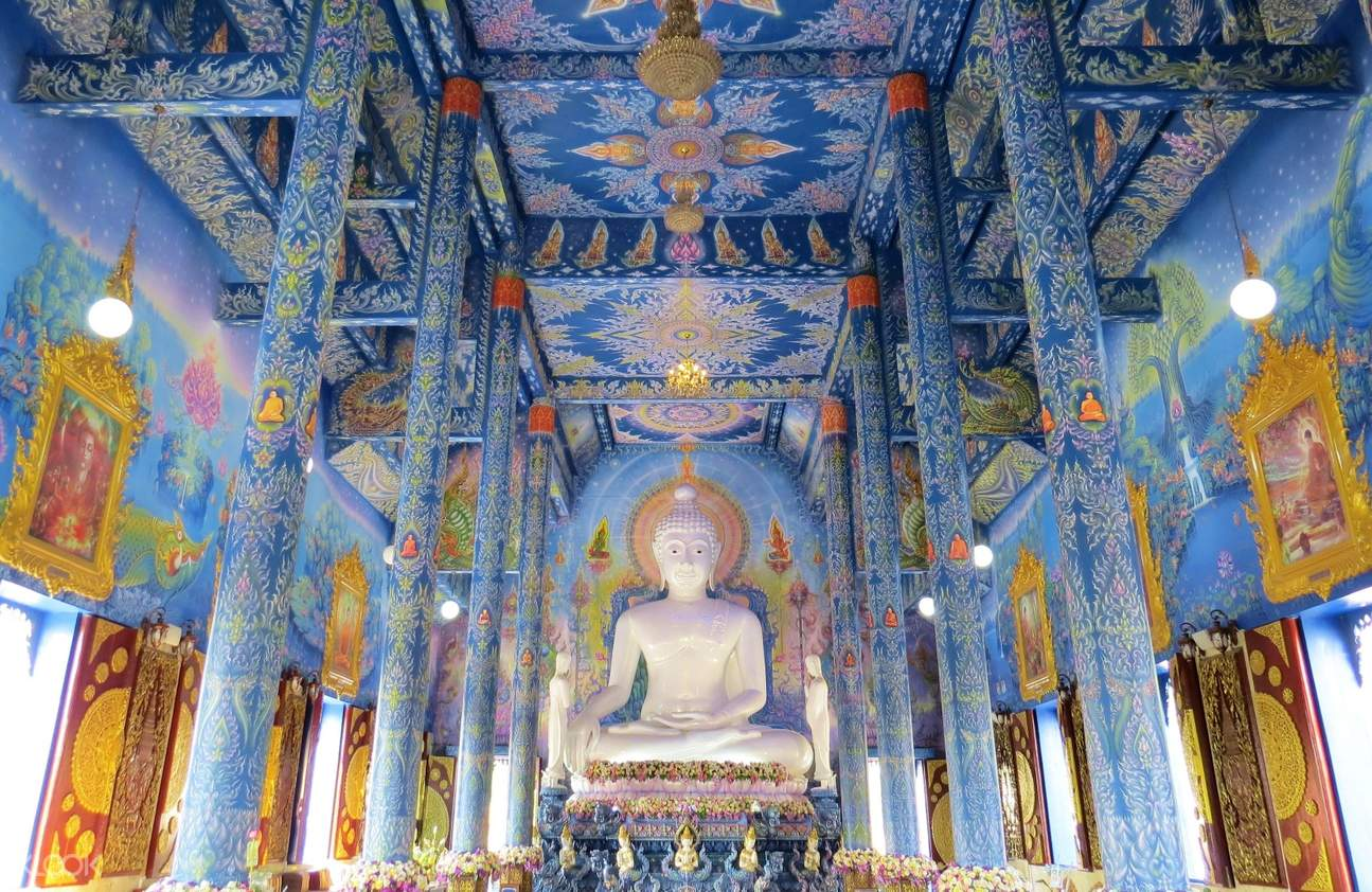 white buddha blue temple chiang rai half day private tour