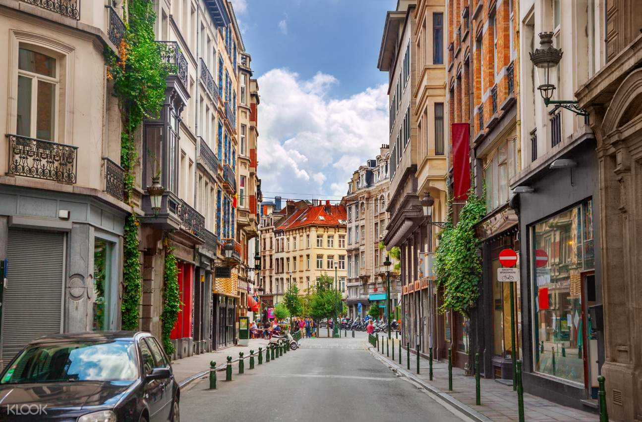 city streets of brussels
