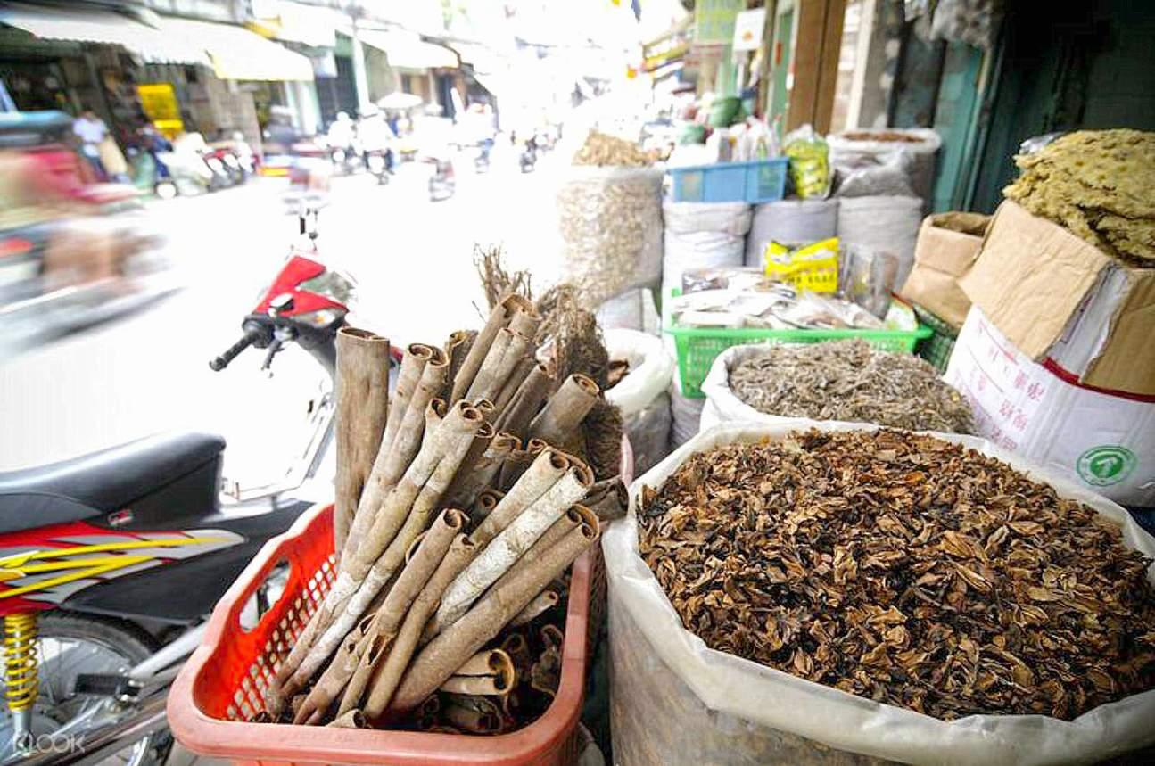西贡市场摩托车骑行半日游,西贡中药市场