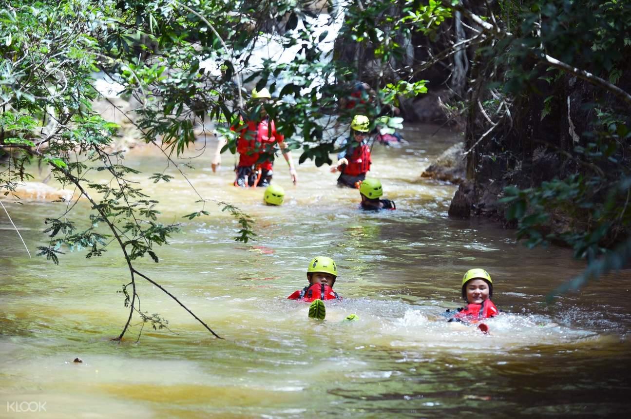 达坦拉瀑布溪降体验(Canyoneering)