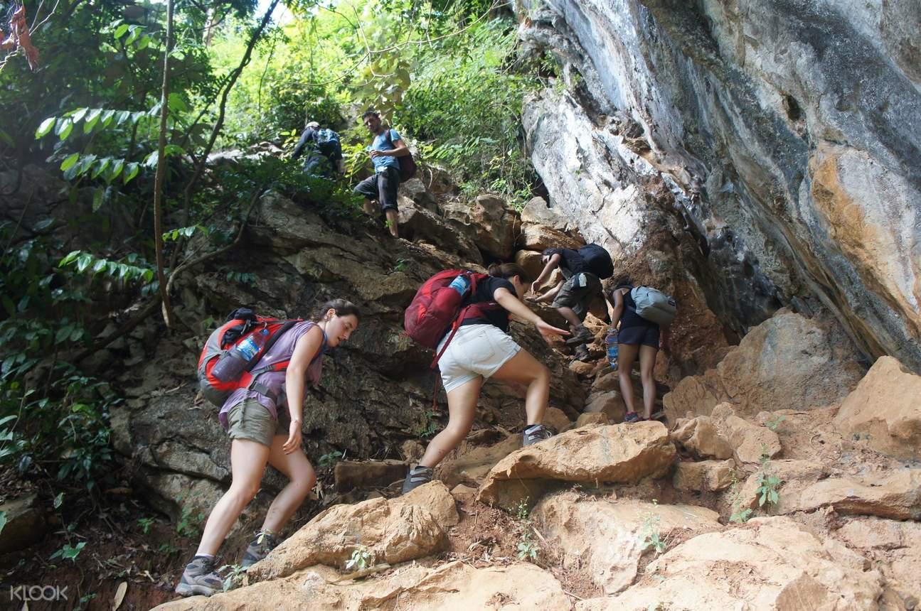 tham nam cave adventure