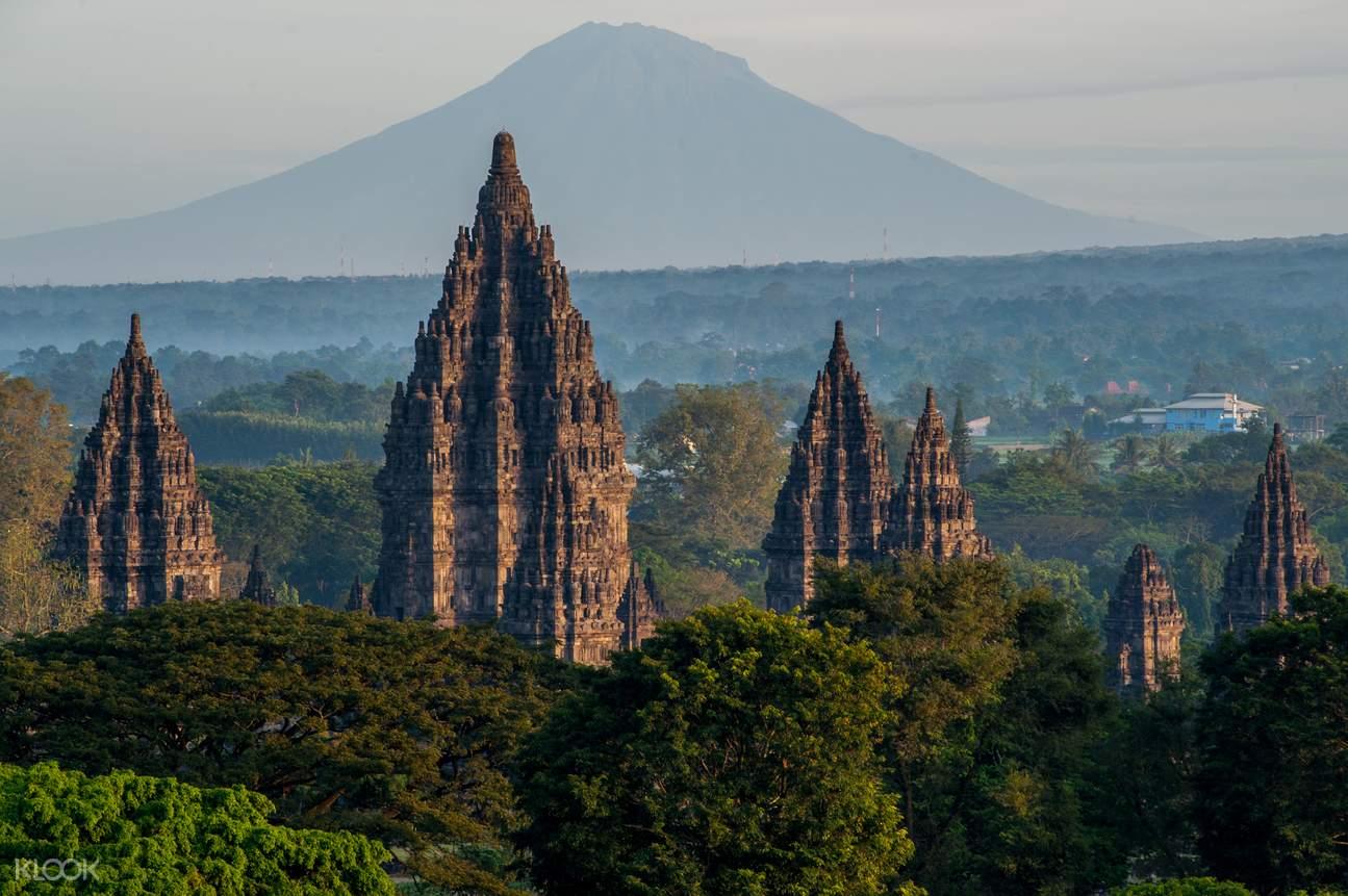 婆罗浮屠,默拉皮火山, 普兰巴南,婆罗浮屠日出,默拉皮火山吉普车,默拉皮火山越野,爪哇一日游,爪哇日出