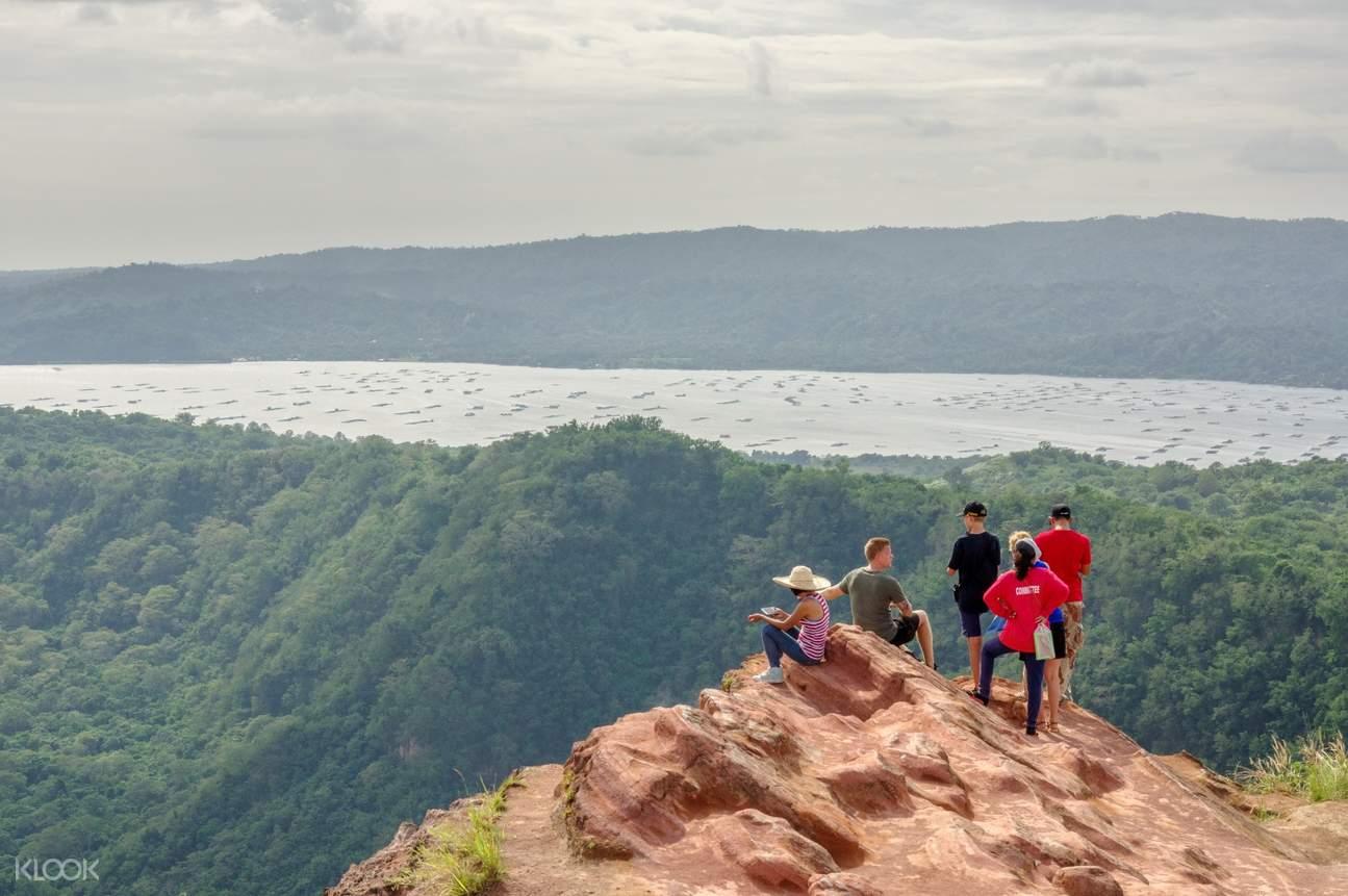 大雅台私人導覽徒步遊- 塔阿爾山頂風光