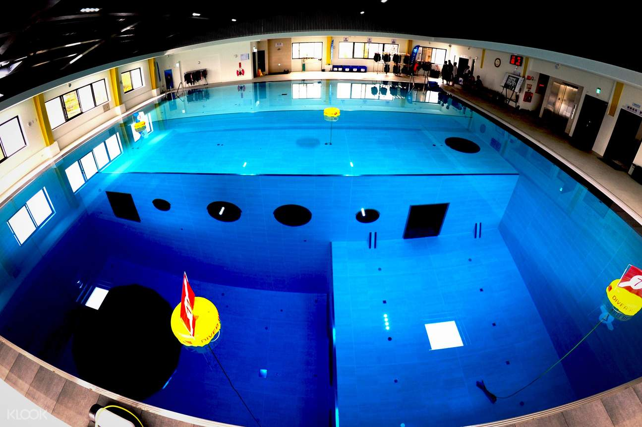 divecube hotel indoor diving