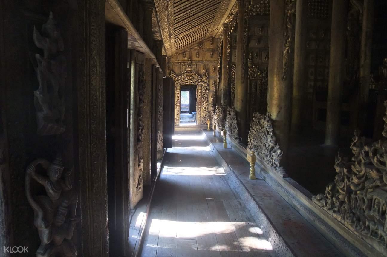 金色宮殿僧院