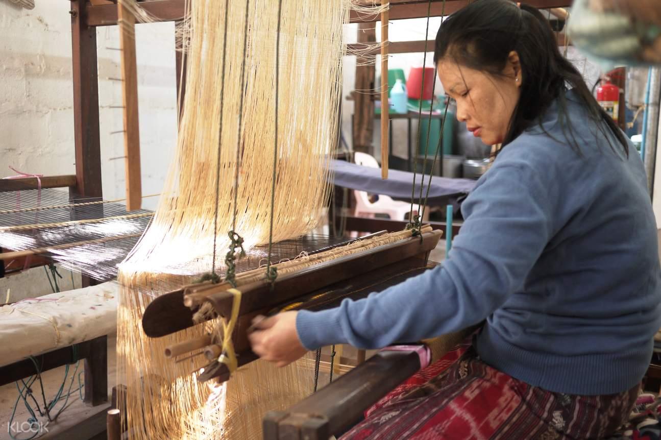 Carol Cassidy's Lao紡織品中心