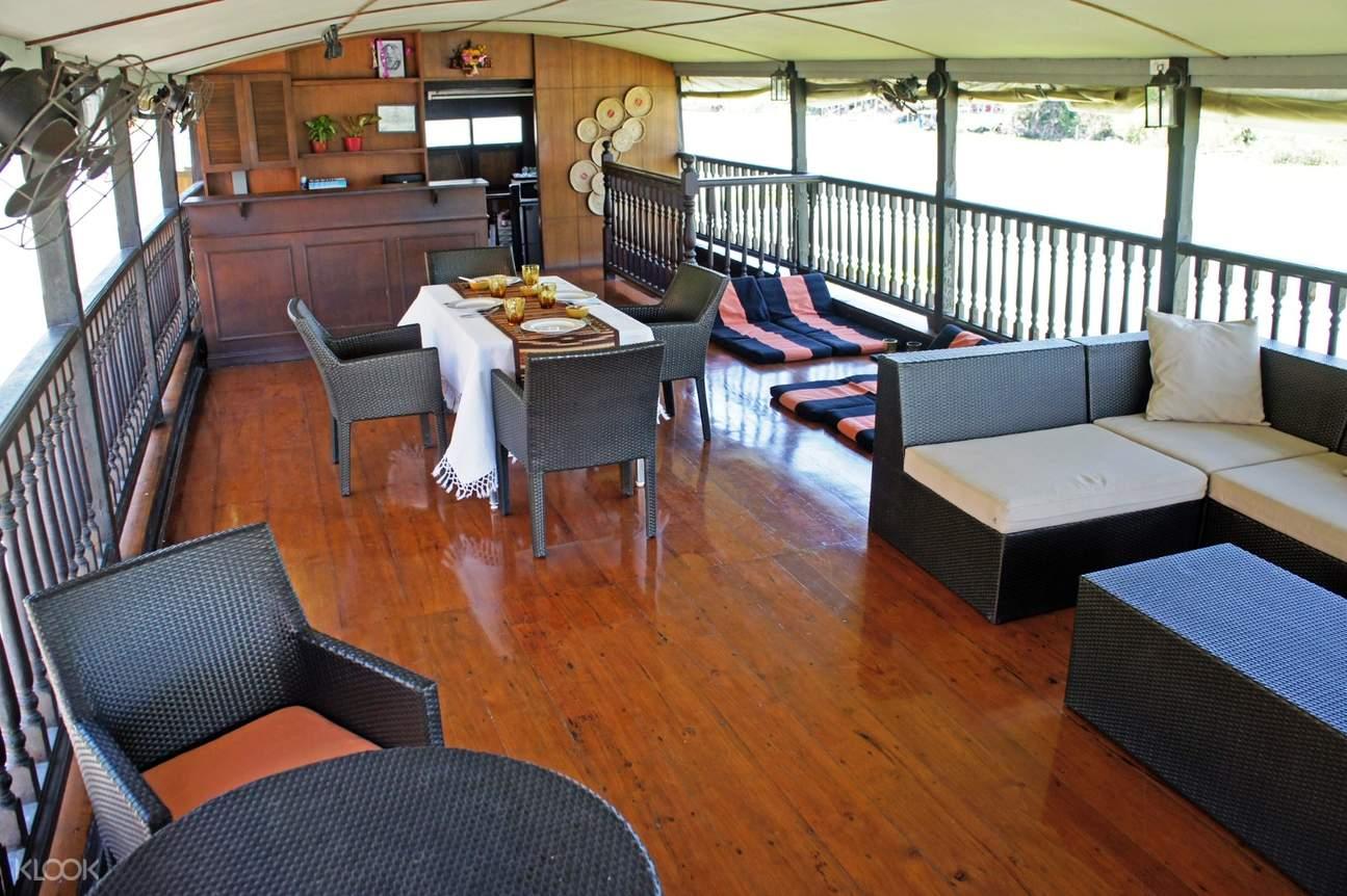 Inside Thanatharee cruise