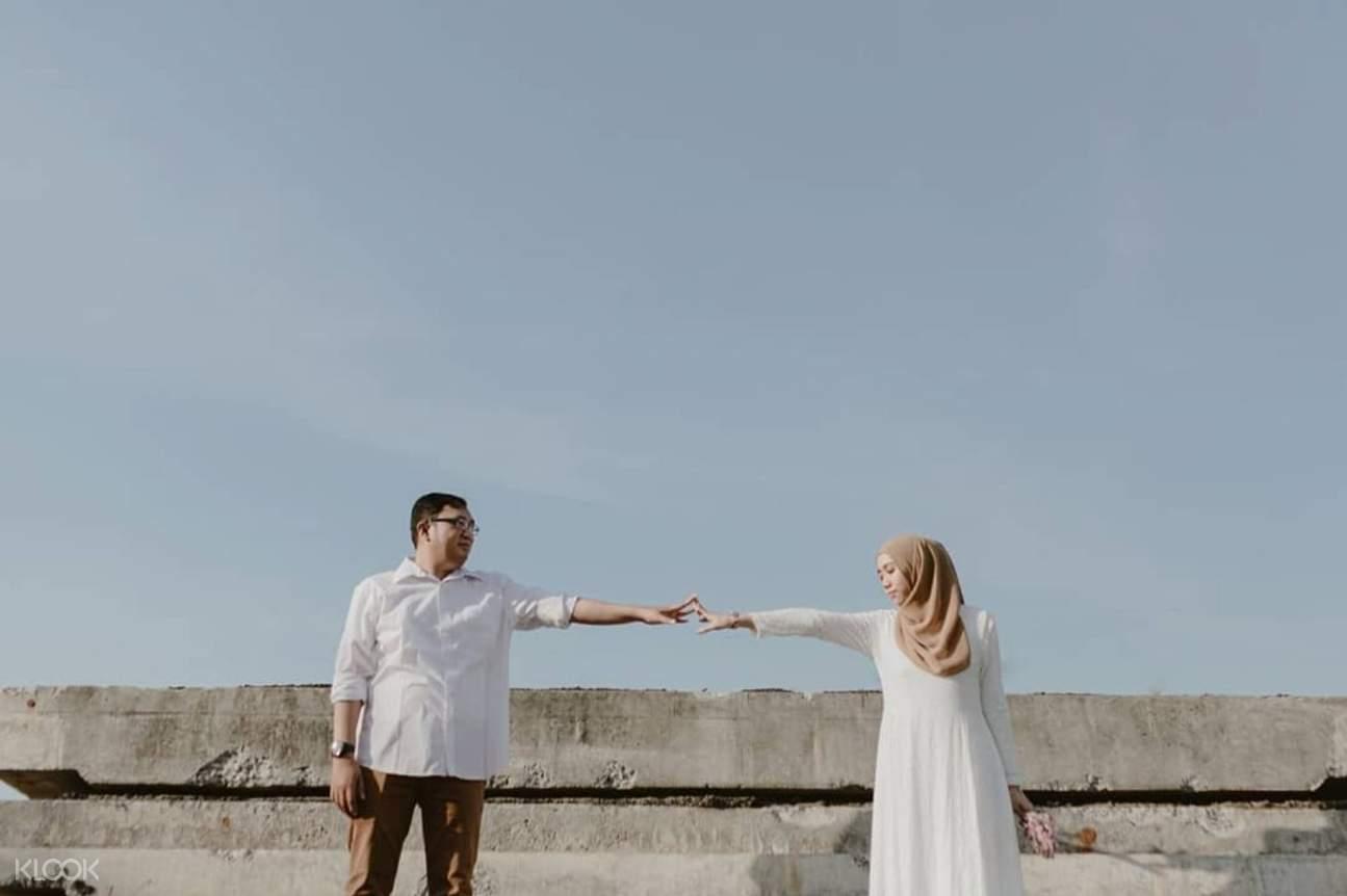 Man and woman at rooftop