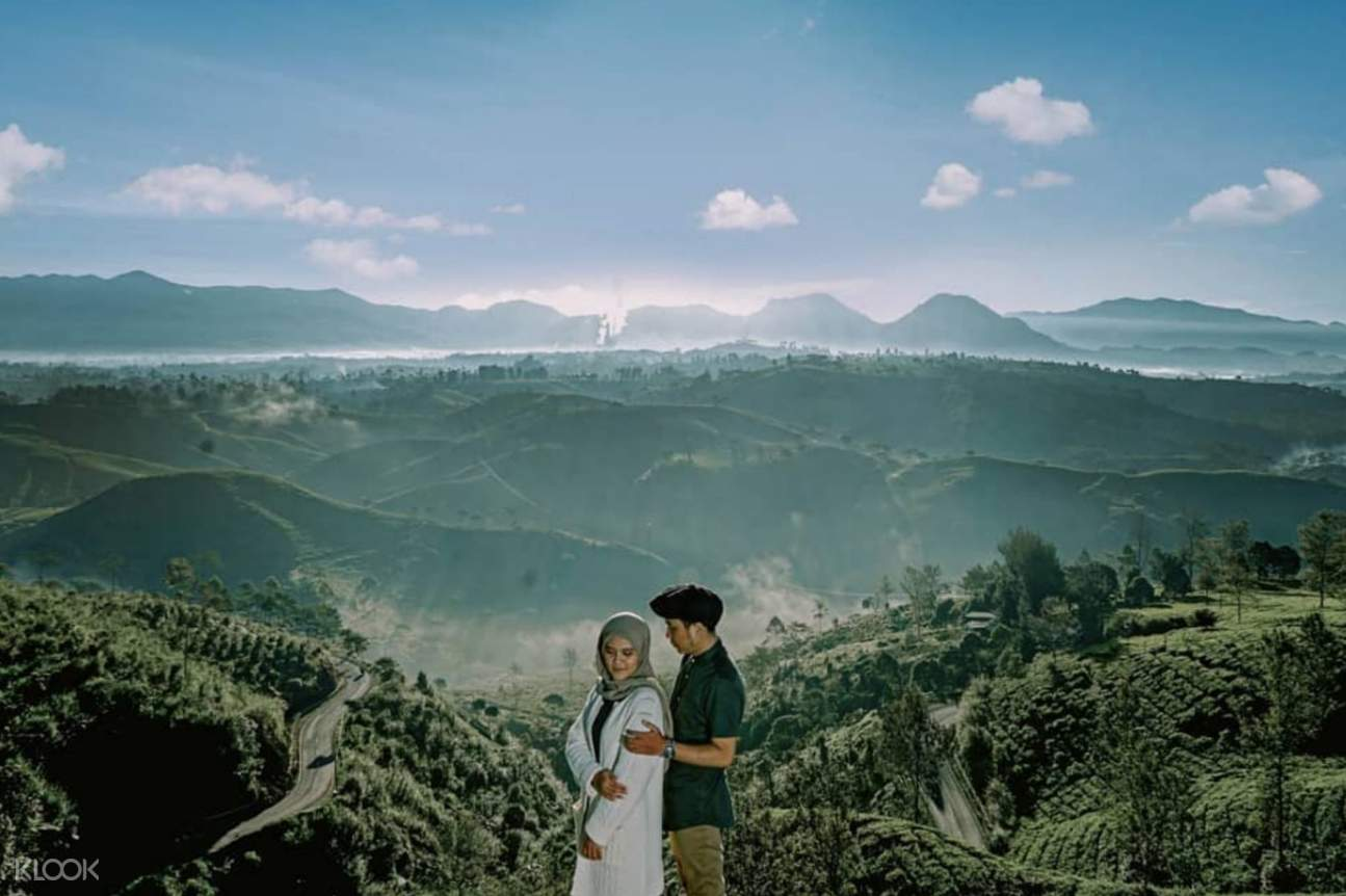 Man and woman in the mountains