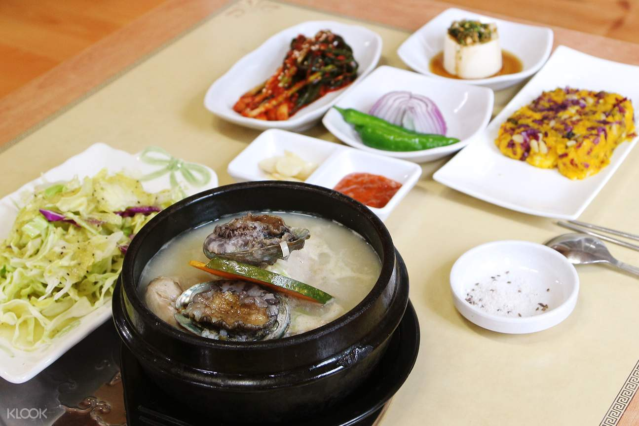 Ginseng Chicken Soup with abalones jejuhallasung
