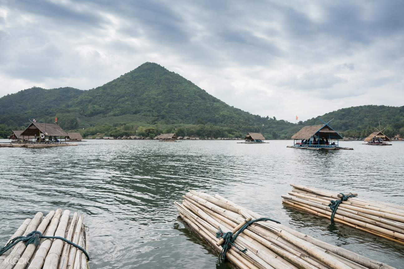 sunset boating at loei