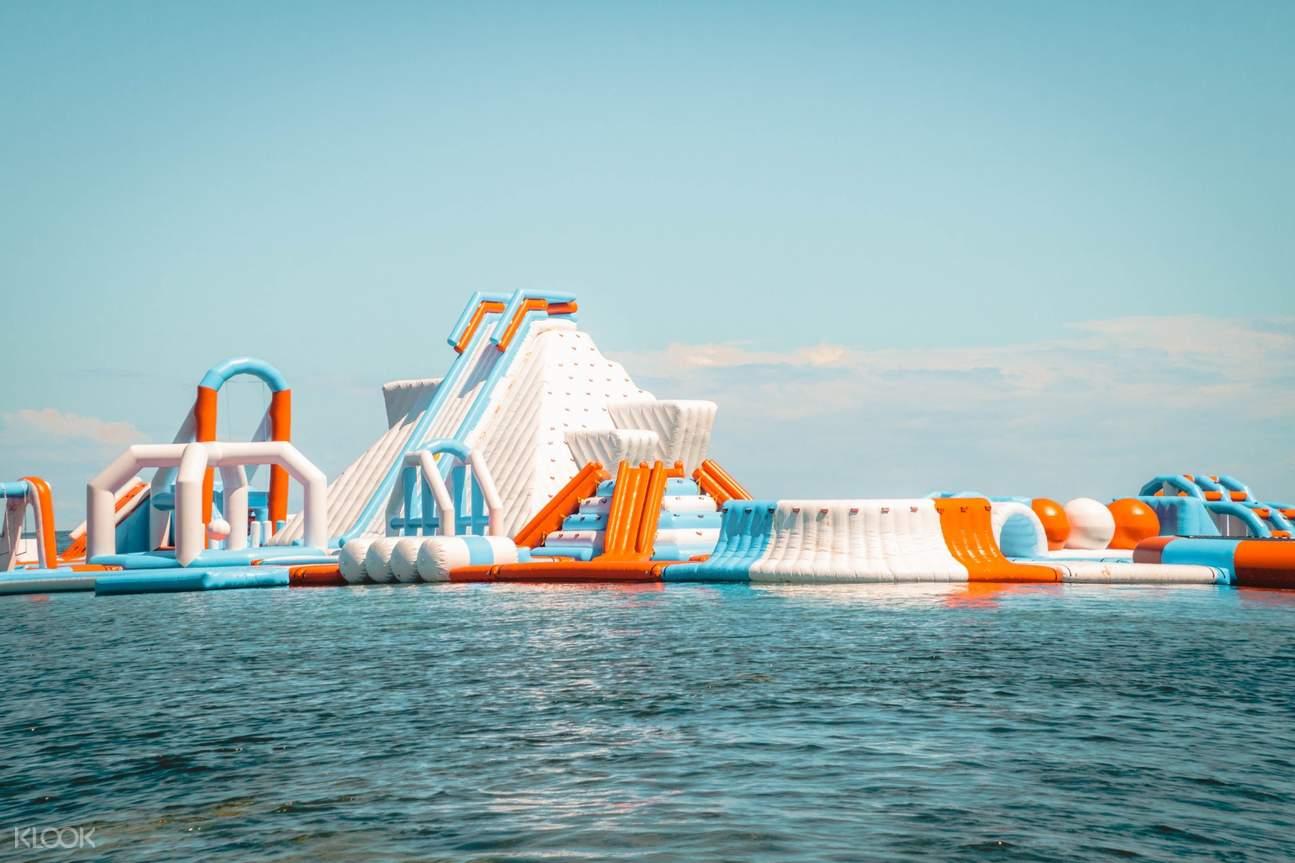 unicorn inflatable island