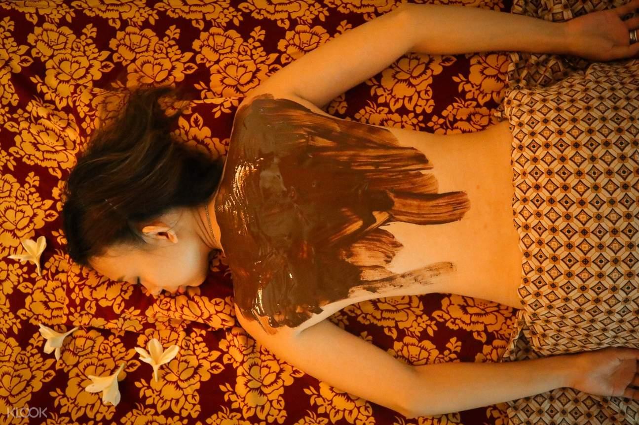 body scrub treatment in anika spa bali