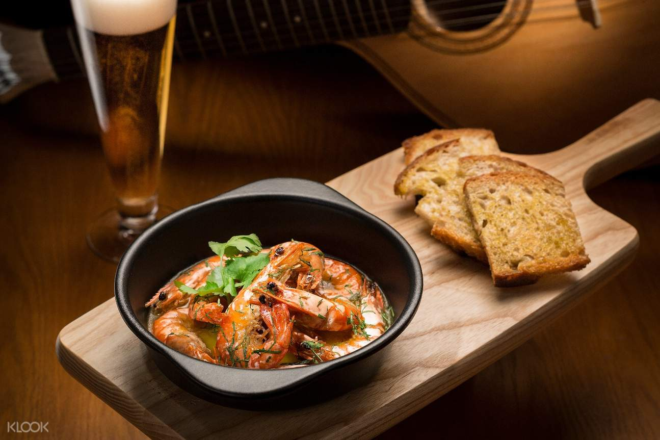 Sautéed Tiger Prawns with Garlic Butter, Chili and Beer Gosto