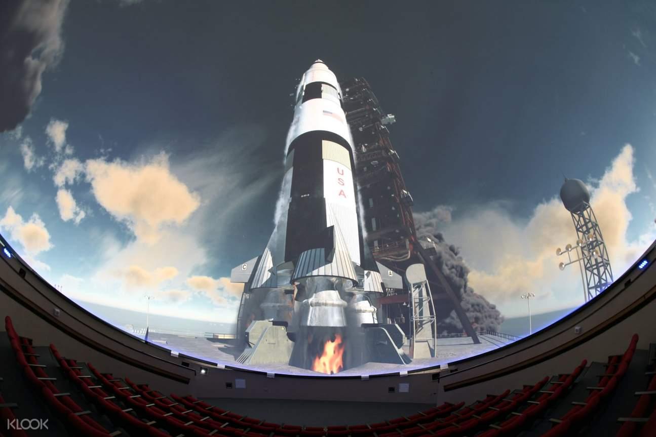 南瀛天文館設有天文展示館與星象劇場,在場館中探索外太空的奧秘