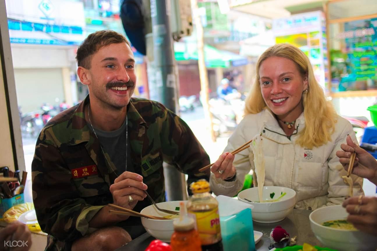 河內 摩托車觀光之旅 越南地道美食