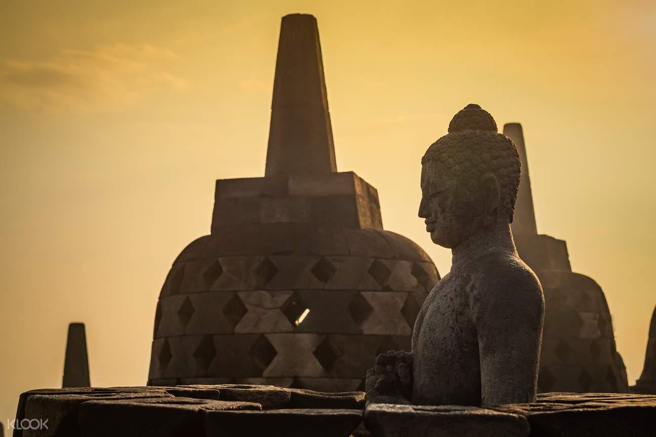 Borobudur Sunrise & Prambanan Temple Tour