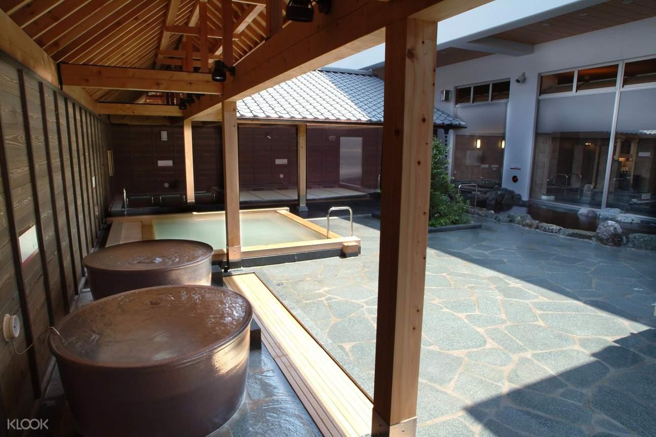 hot springs near Tokyo