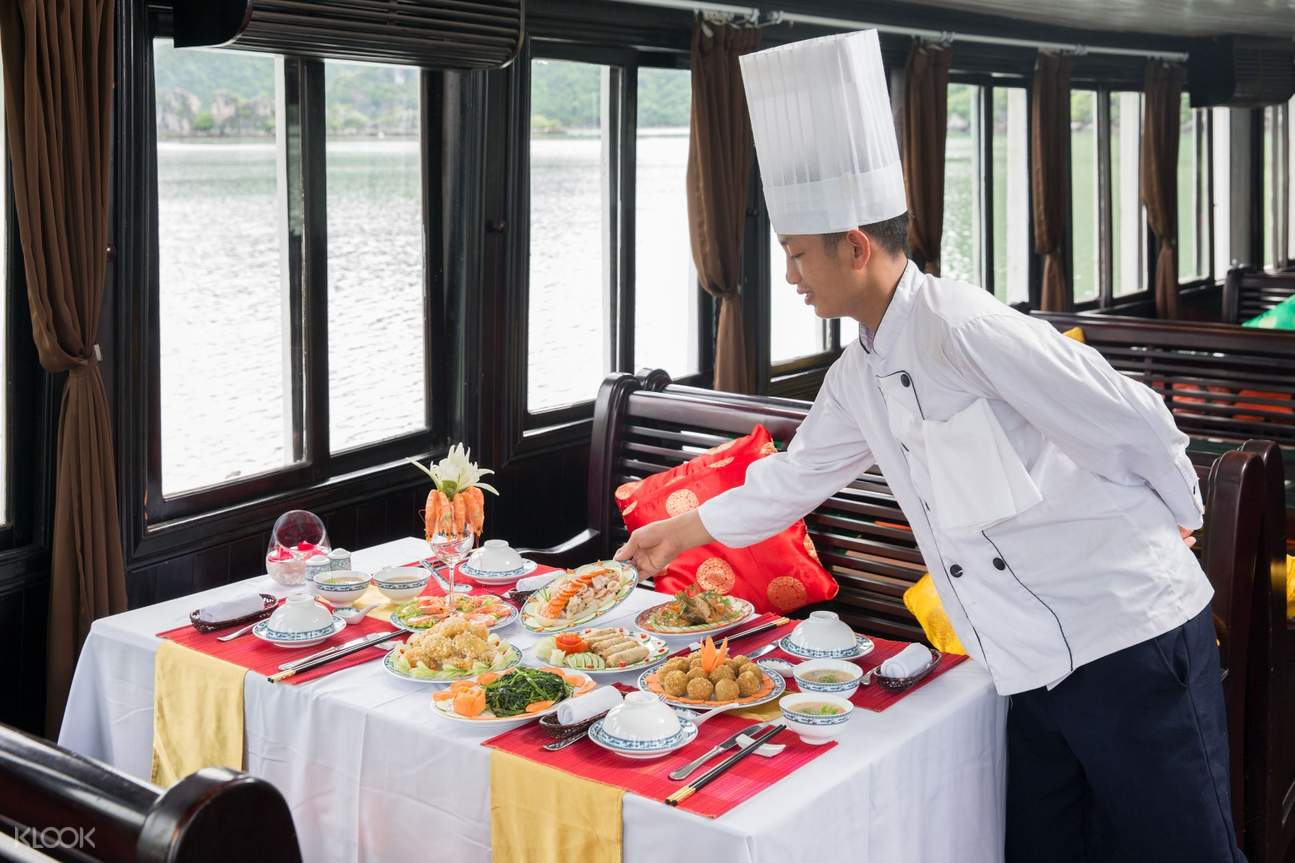 Ha Long Bay Cruise Tour from Ha Noi by Genesis Cruise