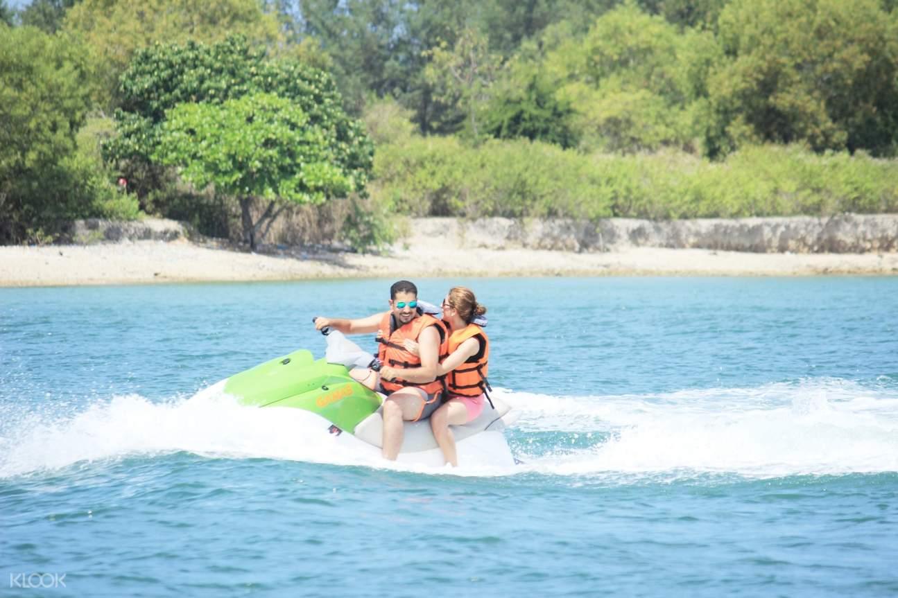 峇里島水上電單車